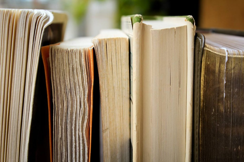 Varios libros de gran extensión